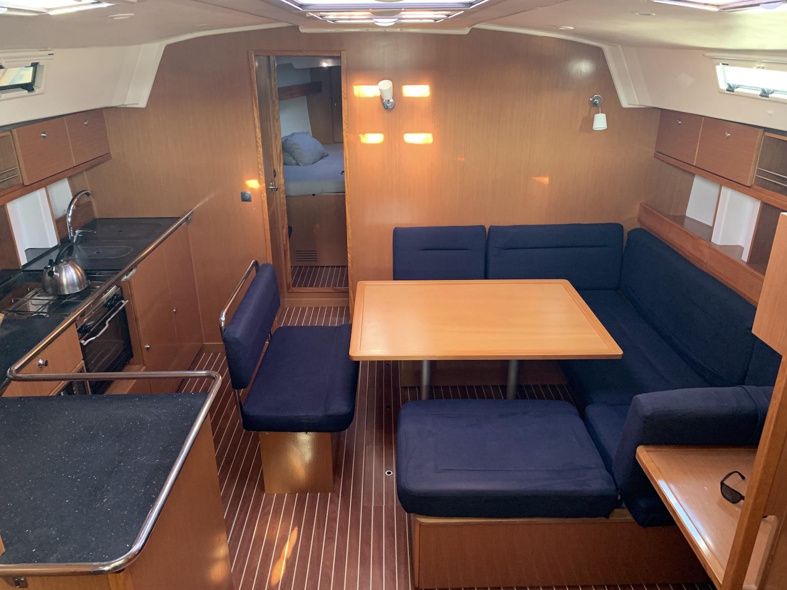 Bavaria Cruiser 45  (Nireas) Interior image - 1