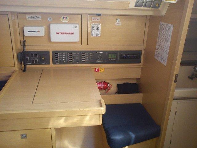 Elan 340 (Arwen) interior - 5