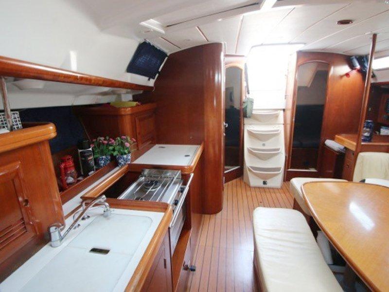 Oceanis 393 (C'alma) Interior image - 2