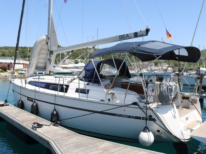 Bavaria Cruiser 37 (Bea)  - 1