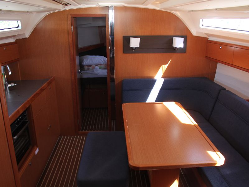 Bavaria Cruiser 41 (summer elli) Interior image - 14
