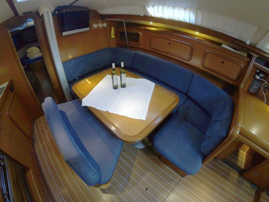 Grand Soleil 43 (Skalice (Sails 2016, Bowthruster))  - 13