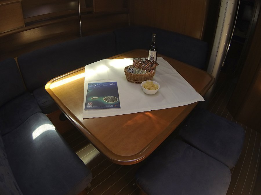 Grand Soleil 50 (Kety (Sails 2019, Bowthruster)) Grand Soleil 50 charter - 6