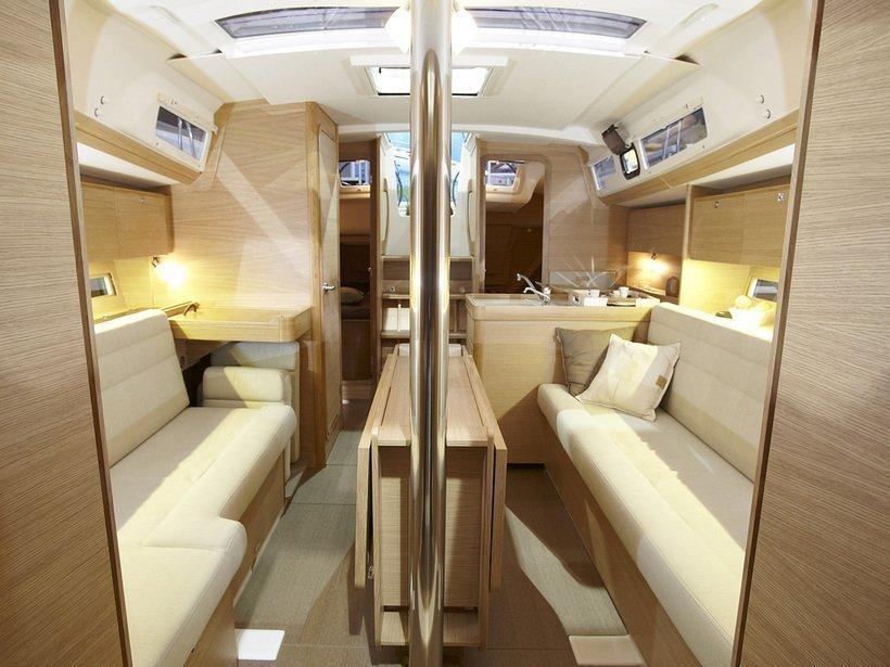 Dufour 350 (White Pearl) interior - 6