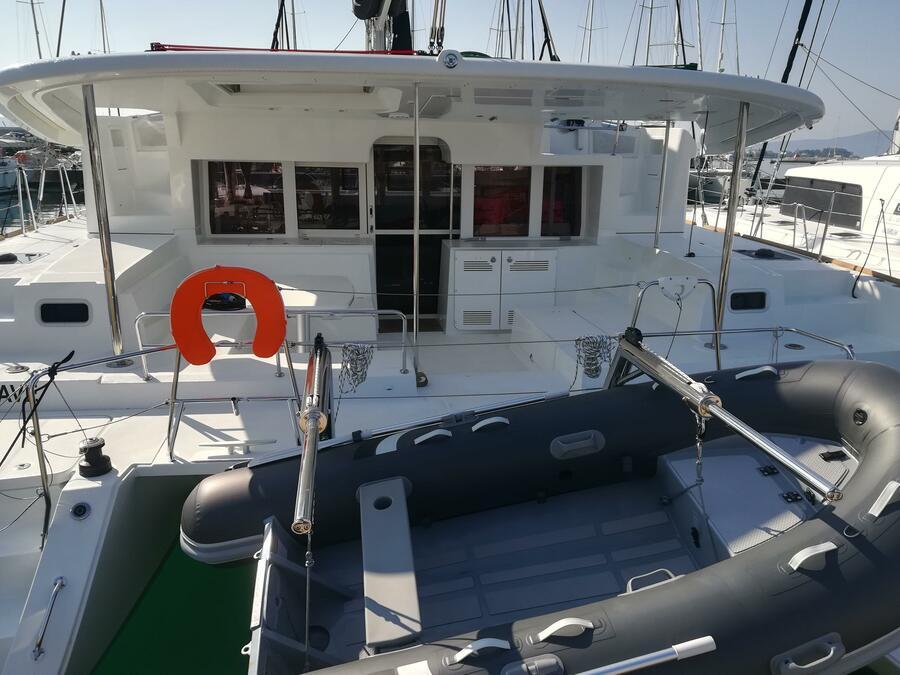 Lagoon 450 F (MUST HAVE AC all + generator + OB 20HP)  - 30