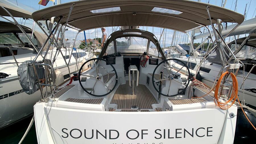Sun Odyssey 389 (Sound of Silence) Heck - 18