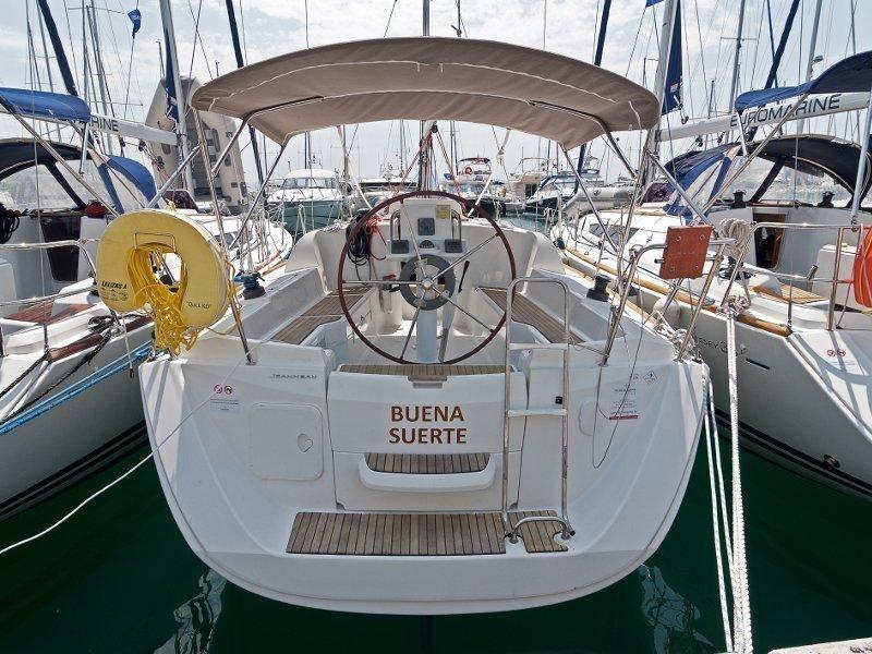 Sun Odyssey 33i (Buena Suerte) exterior - 2