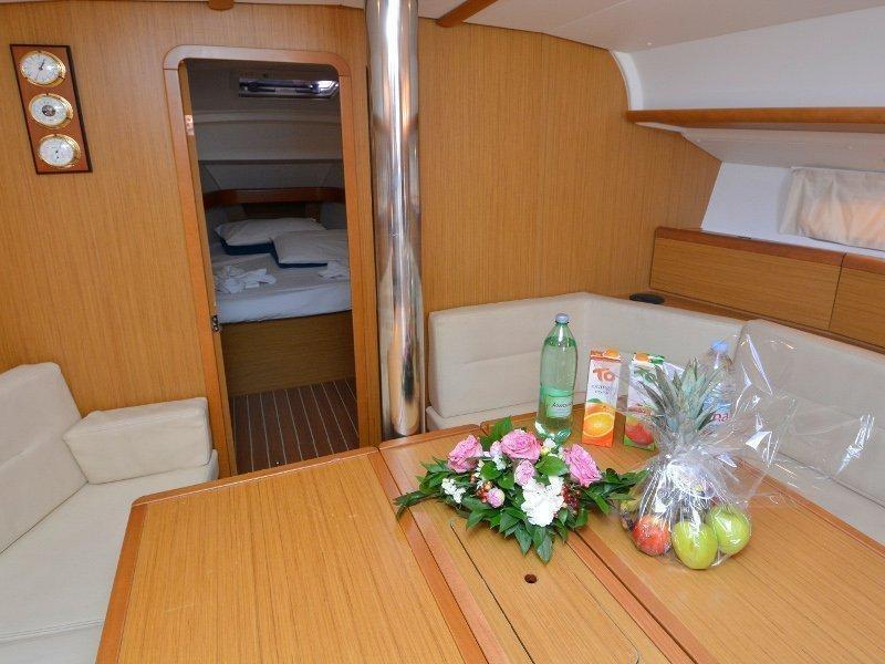 Sun Odyssey 42i (Sea Kiss) interior - 2