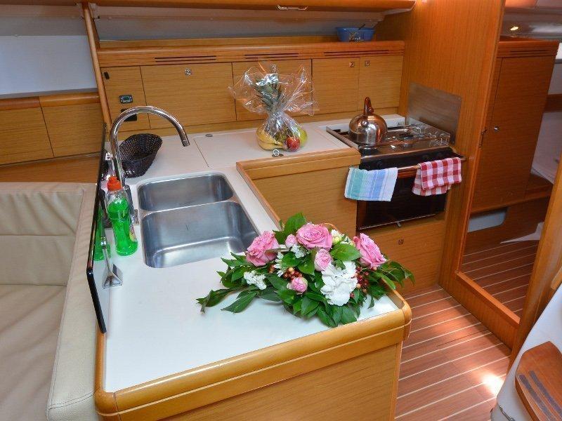 Sun Odyssey 42i (Sea Kiss) interior - 9