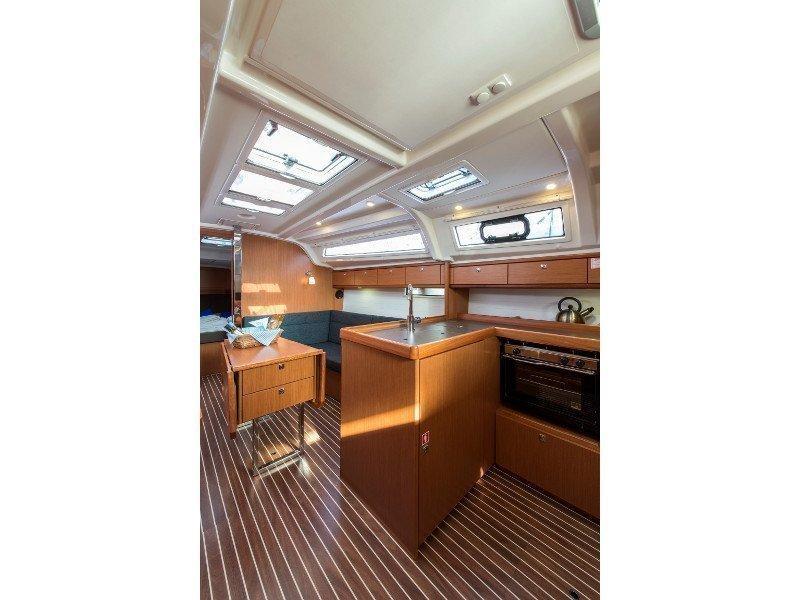Bavaria 37 Cruiser (Astravi) interior - 2