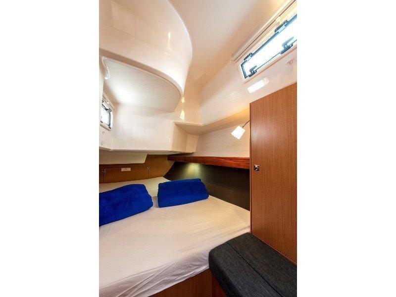 Bavaria 37 Cruiser (Astravi) interior - 6