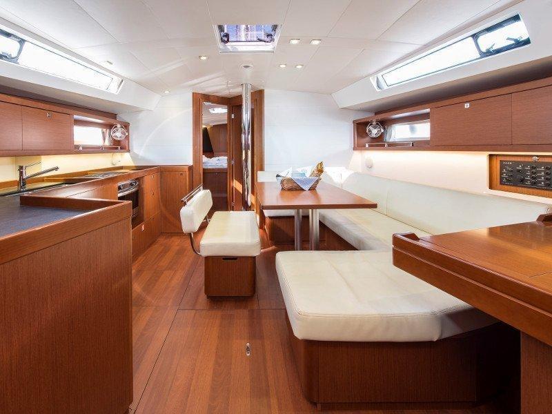 Oceanis 45 (Idroussa) interior - 10