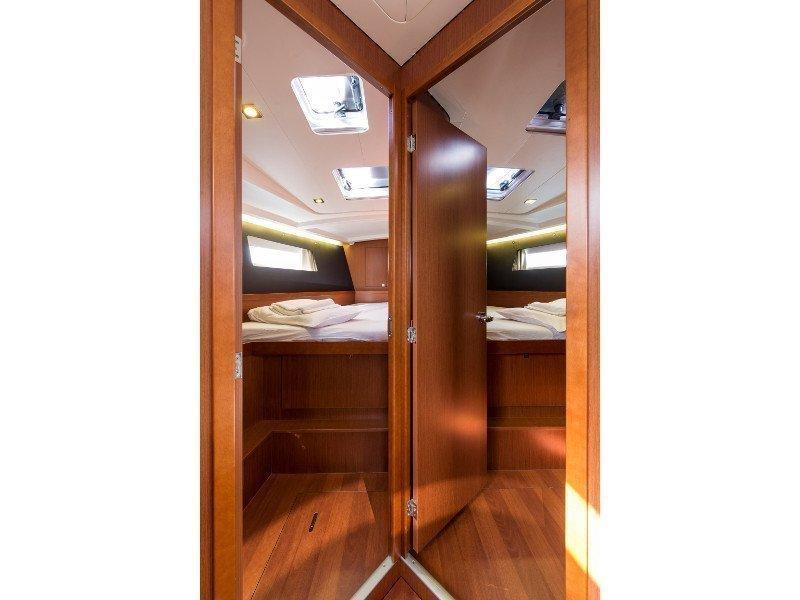 Oceanis 45 (Idroussa) interior - 4