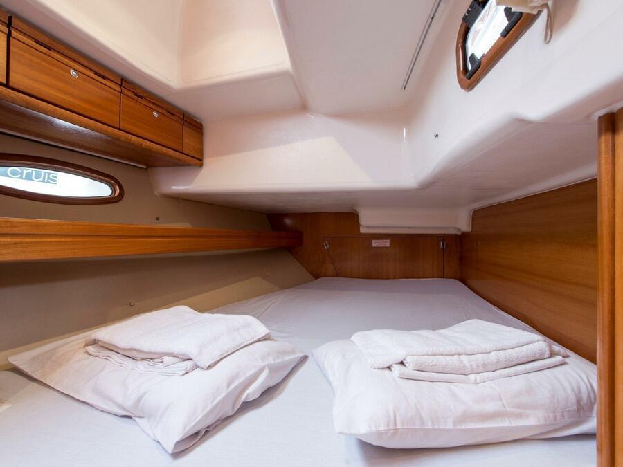 Bavaria 46 Cruiser (Polykandros) interior - 9