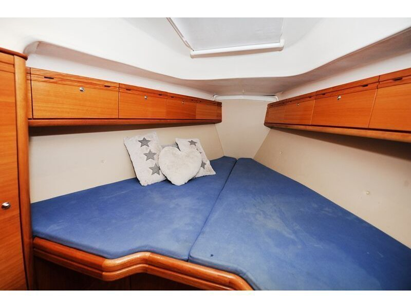 Bavaria 34 Cruiser (Nina Nina) interior - 5