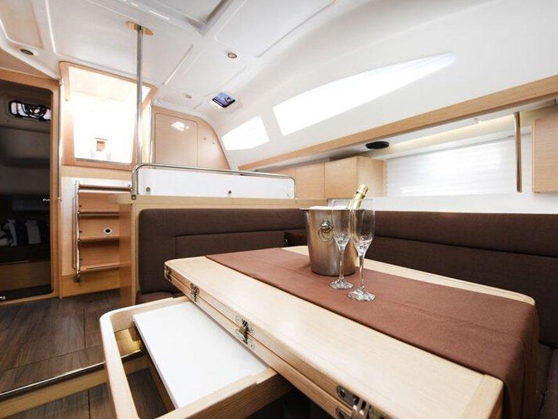 Elan 40 Impression (Vili - new sails 2021.) interior - 2
