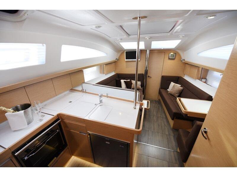 Elan 40 Impression (Vili - new sails 2021.) interior - 4