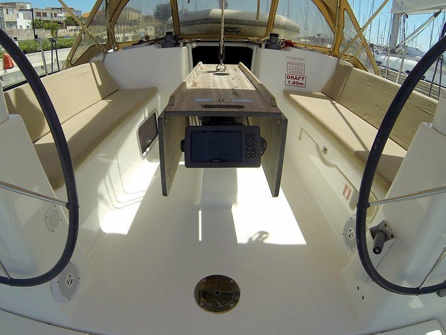 Dufour 335 GL (Lara (webasto, solar panel, shallow draft)) Dufour 335 GL GPS plotter - 18