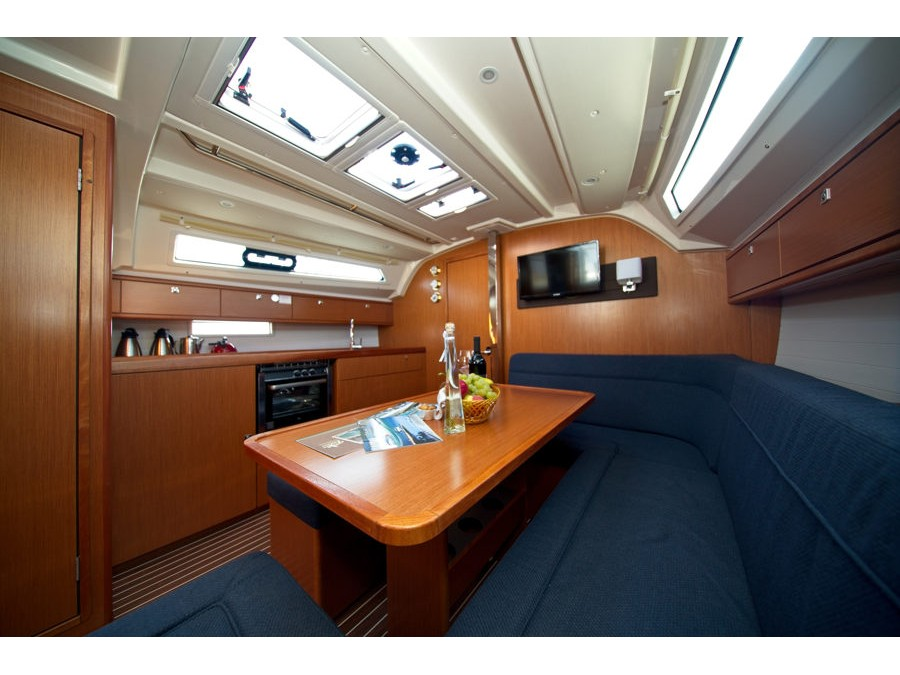 Bavaria Cruiser 41 (MH 69) Interior image - 12