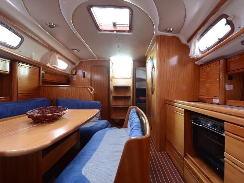 Bavaria 39 Cruiser (Fortuna (Sollar Panel)) interior - 6