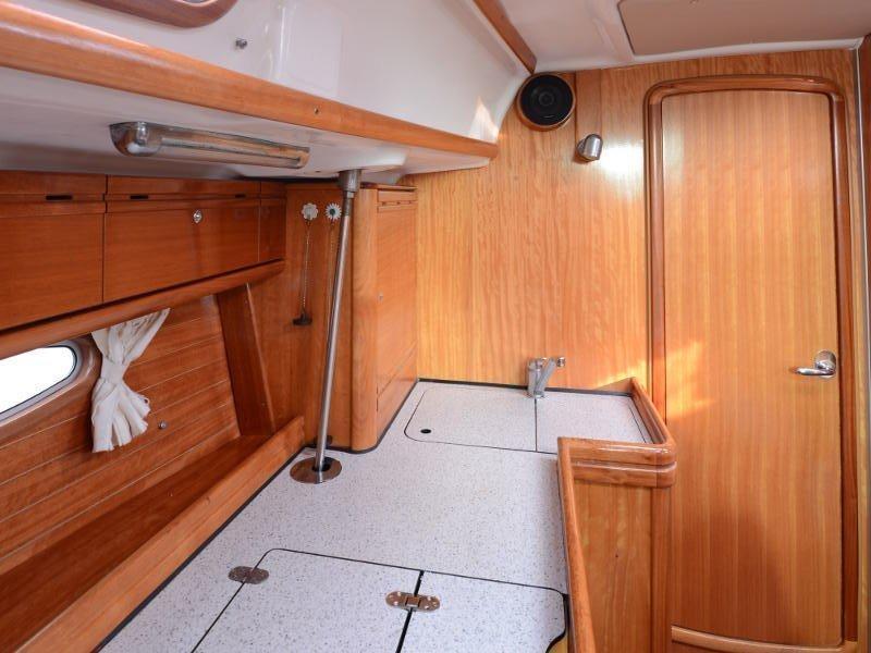 Bavaria 39 Cruiser (Fortuna (Sollar Panel)) interior - 11