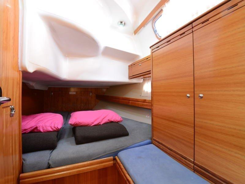 Bavaria 39 Cruiser (Fortuna (Sollar Panel)) interior - 17
