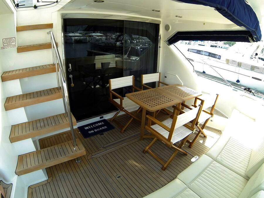 Fairline Phantom 50 (Luna IV (Jet ski - option with extra charge)) Cockpit table - 4