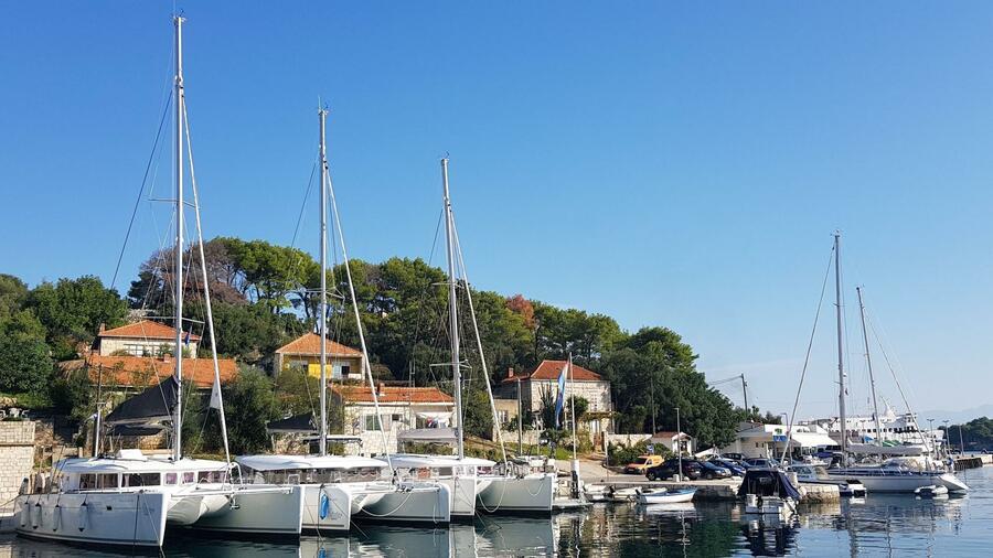 Oceanis 41.1 (GOA) Marina Rogač - catamarans (photo taken 2019) - 1
