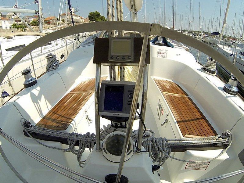 Grand Soleil 40 (Šjor (Main sail 2016, Genoa 2018)) GPS plotter in cockpit - 17