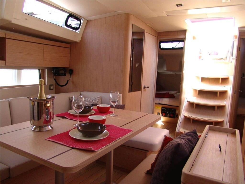 Oceanis 46.1 (Everest) Interior - saloon - 12