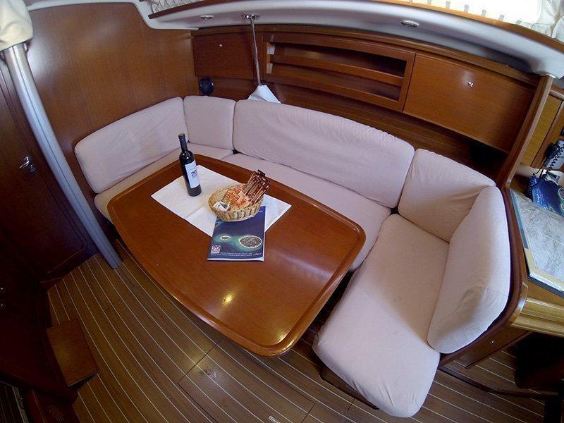 Grand Soleil 37 R (Sportski Vuk) Saloon table - 4