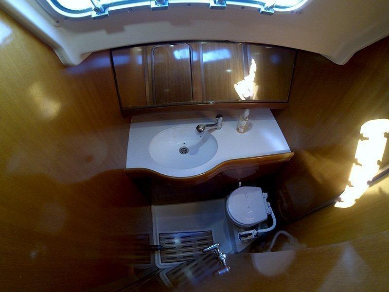 Grand Soleil 45 (Matterhorn (Sails 2019, Bowthruster)) Bathroom - 18