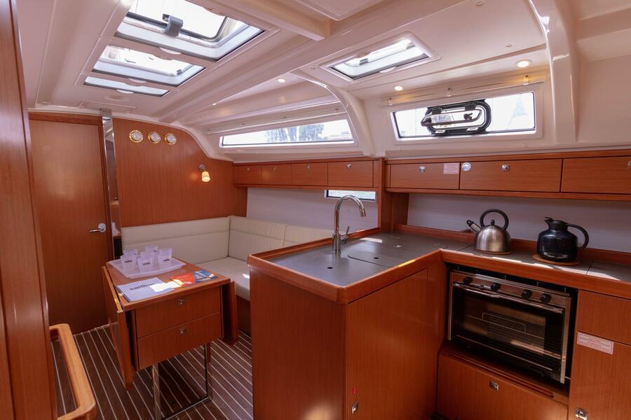 Bavaria Cruiser 37 (Sofia)  - 3