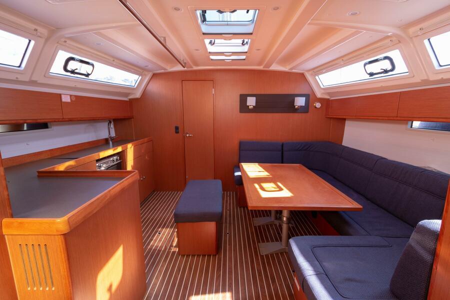Bavaria Cruiser 46 (8+2 berths) (Annù)  - 13