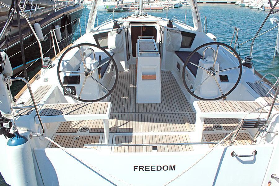 Oceanis 38.1 (FREEDOM)  - 10