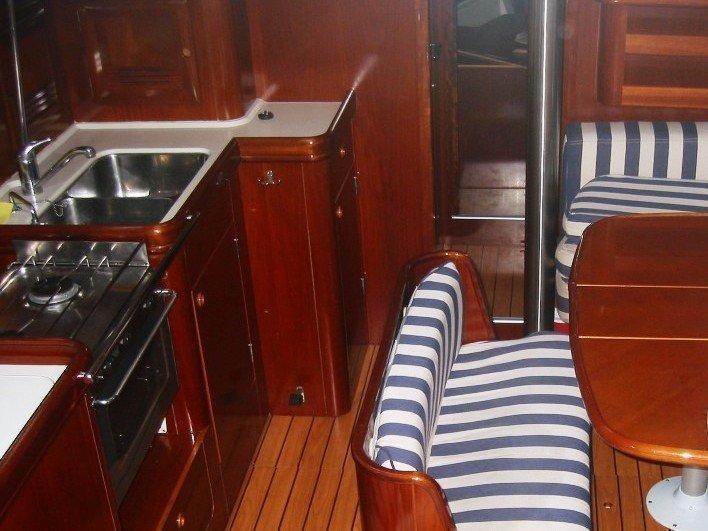 Oceanis 411 (HYPO) Interior image - 3