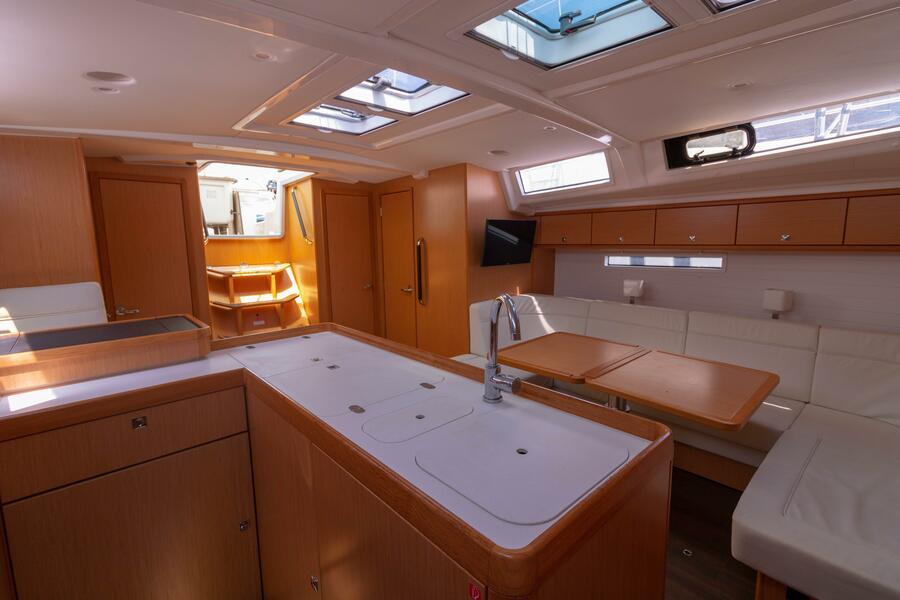 Bavaria Cruiser 56 (Miles)  - 11