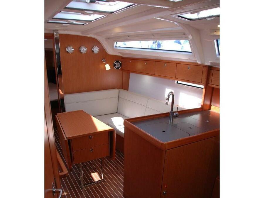Bavaria Cruiser 37 (Bavaria Cruiser 37 '20) Interior image - 2