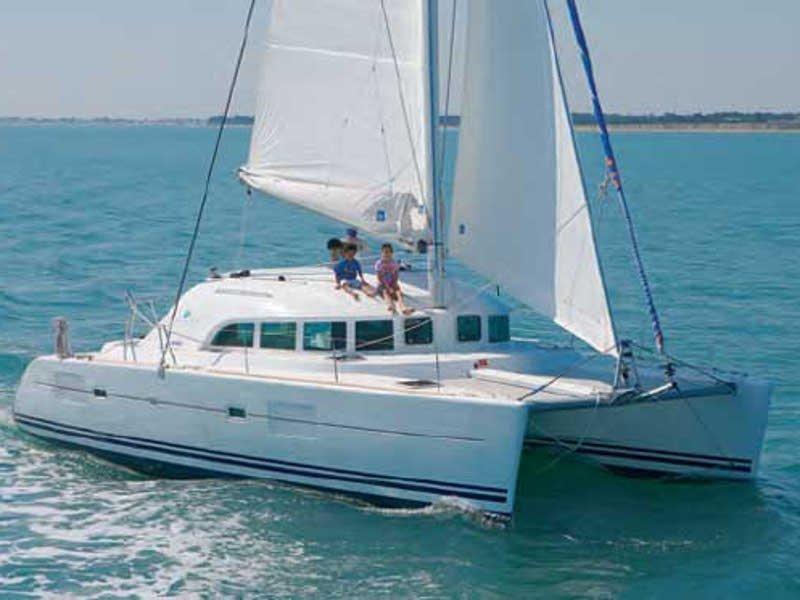 Lagoon 380 (Calypso) exterior - 3