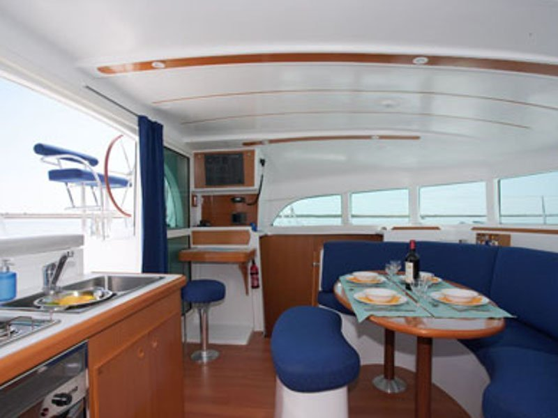 Lagoon 380 (Calypso) interior - 6