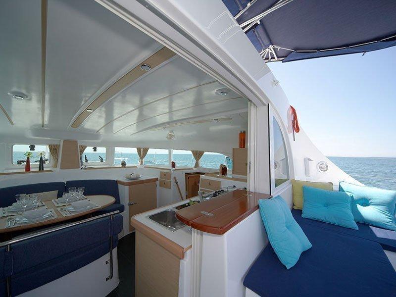 Lagoon 380 (Calypso) interior - 1