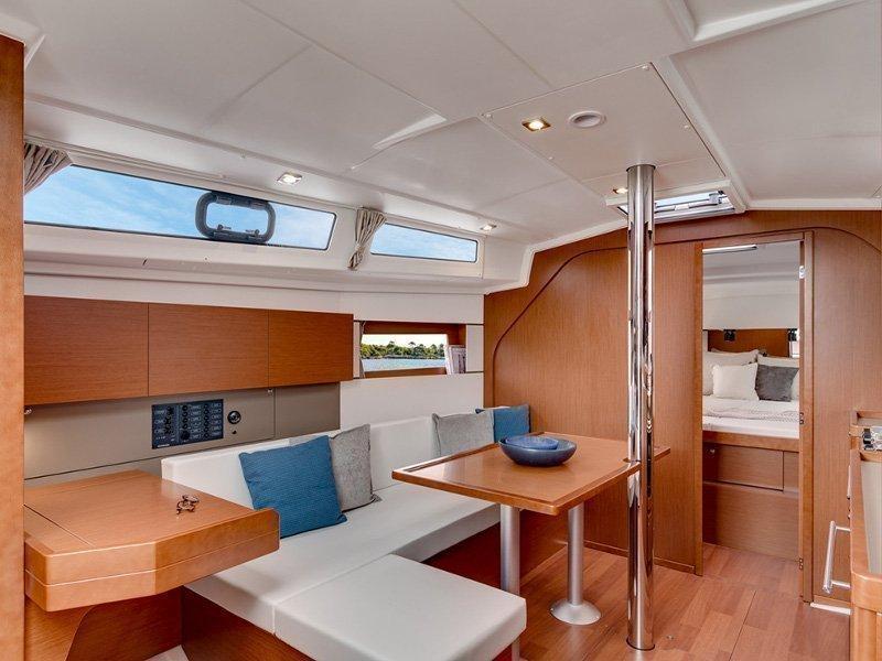 Oceanis 38 (Martine) interior - 3