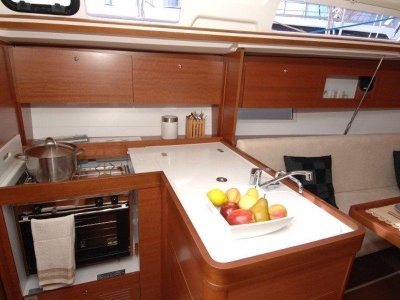 Dufour 335 GL (Babe) Interior image - 3