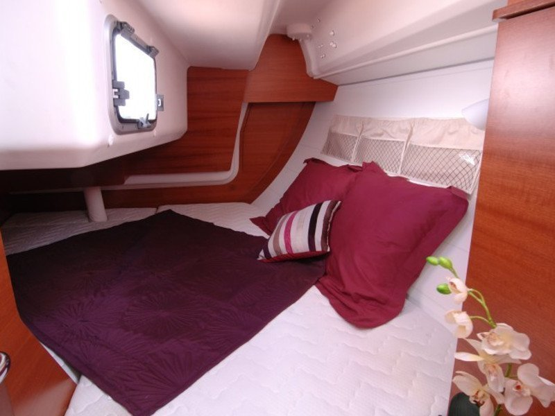 Dufour 335 GL (Babe) interior - 2