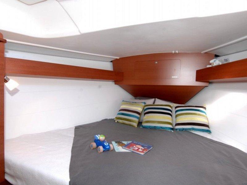 Dufour 335 GL (Babe) interior - 7