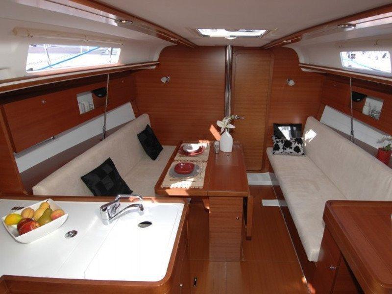 Dufour 335 GL (Babe) interior - 4