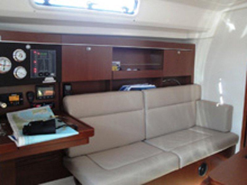 Hanse 385 (Pagode) interior - 3