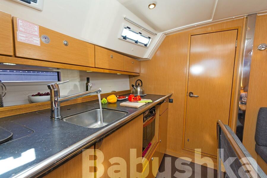 Bavaria Cruiser 40 (Babushka)  - 8