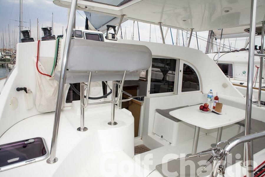 Lagoon 380 (Golf Charlie)  - 16
