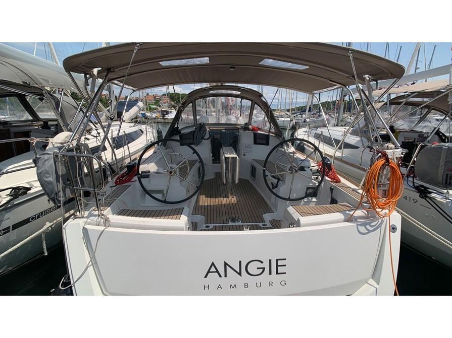 Sun Odyssey 389 (ANGIE) Main image - 0